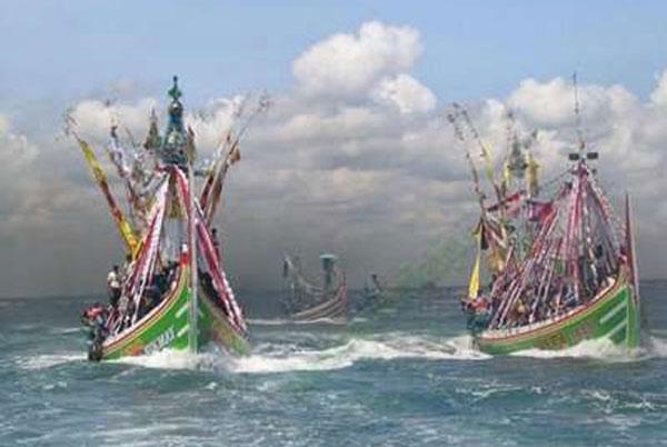 Larung Sesaji Petik Laut Muncar